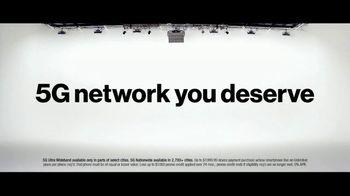 Verizon TV Spot, 'The Only Thing Better: BOGO on 5G Phones' - Thumbnail 7