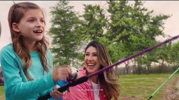 Academy Sports + Outdoors All for Mom 4-Day Sale TV Spot, 'Ropa y bicicletas' [Spanish] - Thumbnail 6