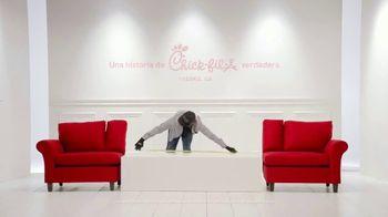 Chick-fil-A TV Spot, 'Los pequeños detalles: Eric' [Spanish] - Thumbnail 2