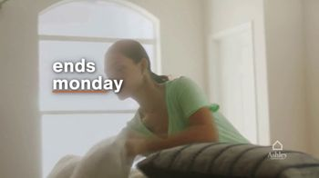 Ashley HomeStore Lowest Prices of the Season TV Spot, 'Ends Monday: Sofa and Dining Set' - Thumbnail 6