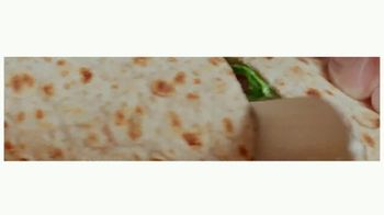 Arby's Creamy Mediterranean Chicken Wrap TV Spot, 'Perfect Combo' Song by YOGI - Thumbnail 5