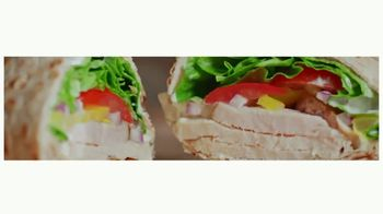 Arby's Creamy Mediterranean Chicken Wrap TV Spot, 'Perfect Combo' Song by YOGI - Thumbnail 6