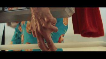 Bud Light TV Spot, 'Summer on Our Shoulders' - Thumbnail 3