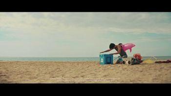 Bud Light TV Spot, 'Summer on Our Shoulders' - Thumbnail 8