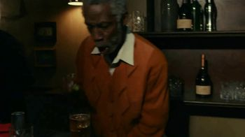 Rémy Martin TV Spot, 'Team up for Excellence' Featuring Usher - Thumbnail 6