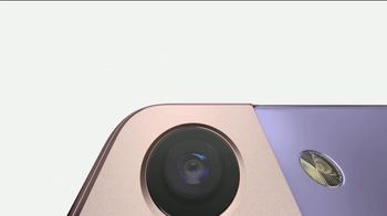 Samsung Galaxy S21 5G TV Spot, 'Mother's Day: Meet the New Face of Galaxy' - Thumbnail 5