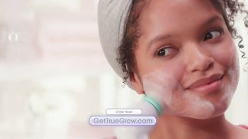 Conair True Glow TV Spot, 'Skin That Glows' - Thumbnail 7