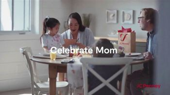 JCPenney Mother's Day Sale TV Spot, 'Jewelery and Extra 25% Off' - Thumbnail 7