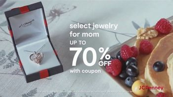 JCPenney Mother's Day Sale TV Spot, 'Jewelery and Extra 25% Off' - Thumbnail 4