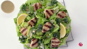 Chick-fil-A Lemon Kale Caesar Salad TV Spot, 'The Little Things: Jonelle' - Thumbnail 6