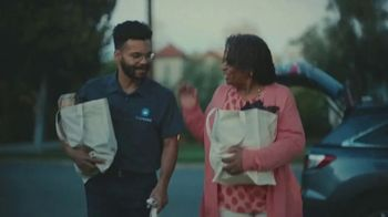 Carvana TV Spot, 'Everyone's a Mom' - Thumbnail 10