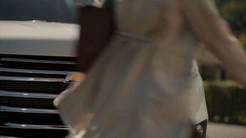 Chevrolet TV Spot, 'Familia de SUVs: maneja con cuidado' canción de Shane Alexander [Spanish] [T1] - Thumbnail 5