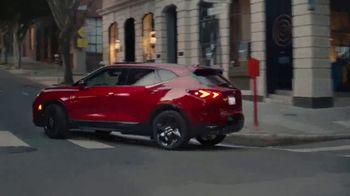 Chevrolet TV Spot, 'Familia de SUVs: maneja con cuidado' canción de Shane Alexander [Spanish] [T1] - Thumbnail 8