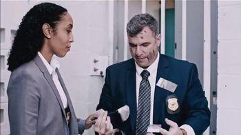 Little Caesars Pizza TV Spot, 'Ion Television: Detective Guarantees'