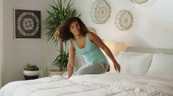 Ashley HomeStore Anniversary Sale TV Spot, 'Venta de colchones: 0% intereses y $300 Ashley Cash' [Spanish] - Thumbnail 1