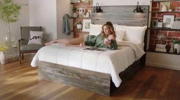Ashley HomeStore Anniversary Sale TV Spot, 'Venta de colchones: 0% intereses y $300 Ashley Cash' [Spanish] - Thumbnail 6