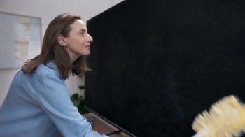 Swiffer TV Spot, 'Rose & Luke's Cleaning Confession' - Thumbnail 7