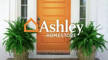 Ashley HomeStore Anniversary Sale TV Spot, 'Ends Monday: 25% Off and Special Financing' - Thumbnail 8