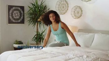 Ashley HomeStore Anniversary Mattress Sale TV Spot, '0% Interest and $300 Ashley Cash' - Thumbnail 1