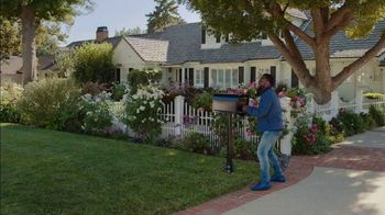 Chase Freedom Unlimited TV Spot, 'Rita: Always Earning' Featuring Kevin Hart - Thumbnail 2