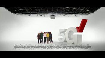 Verizon TV Spot, 'The Best: Start Unlimited, Disney+, Discovery+, Best Phones' - Thumbnail 10