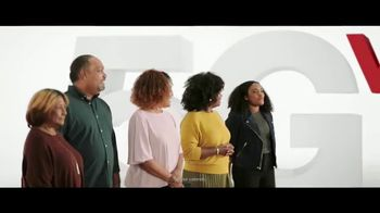 Verizon TV Spot, 'The Best: Start Unlimited, Disney+, Discovery+, Best Phones' - Thumbnail 3