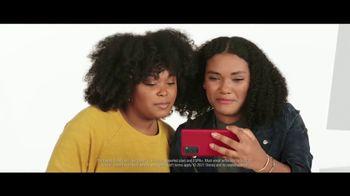 Verizon TV Spot, 'The Best: Start Unlimited, Disney+, Discovery+, Best Phones' - Thumbnail 6