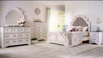 Bob's Discount Furniture TV Spot, 'Scarlett Queen Bedroom Set: $1999' - Thumbnail 2