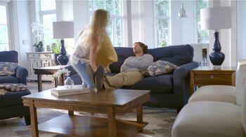 La-Z-Boy Anniversary Sale TV Spot, 'Special Piece: Save 25%' - Thumbnail 4