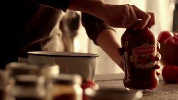 Bertolli TV Spot, 'Behind the Tuscan Taste: Vine Ripened Tomatoes' - Thumbnail 6