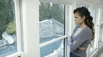 Tubi TV Spot, 'Twisted House Sitter' - Thumbnail 6