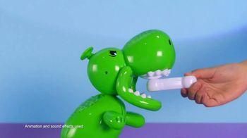 Squeakee Dino TV Spot, 'Your Balloon Dinosaur Best Friend' - Thumbnail 3