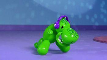 Squeakee Dino TV Spot, 'Your Balloon Dinosaur Best Friend' - Thumbnail 8
