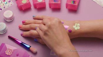Shimmer Me Body Art TV Spot, 'Glitz It' - Thumbnail 3