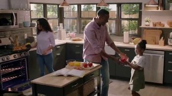 The Home Depot Labor Day Savings TV Spot, 'In Here: LG Washtower' - Thumbnail 6