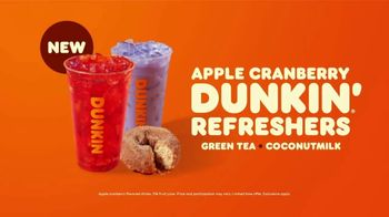 Apple Cranberry Dunkin' Refreshers TV Spot, 'Fall Into Flavorful' - Thumbnail 8