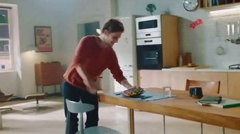 Sun Basket TV Spot, 'Here Comes: Free Gifts' - Thumbnail 8