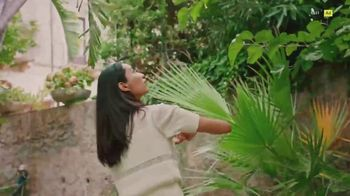 Pandora TV Spot, 'Step Into Spring With Nature-Inspired Charms' Song by Mina - Thumbnail 5