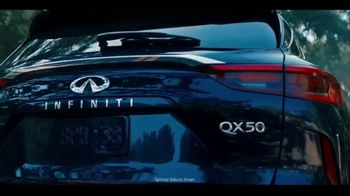 Infiniti TV Spot, 'Enjoy Winter Your Way' Song by Lewis Del Mar [T2] - Thumbnail 3