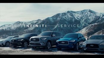 Infiniti TV Spot, 'Enjoy Winter Your Way' Song by Lewis Del Mar [T2] - Thumbnail 8