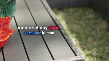 Ashley HomeStore Memorial Day Early Access Sale TV Spot, 'Buy One, Get One Half Off, Accent Chair' - Thumbnail 2