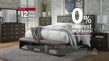 Ashley HomeStore Memorial Day Early Access Sale TV Spot, 'Buy One, Get One Half Off, Accent Chair' - Thumbnail 4