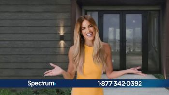 Spectrum Mi Plan Latino TV Spot, 'Todo lo que tu familia necesita: $69.98' con Gaby Espino [Spanish] - Thumbnail 4