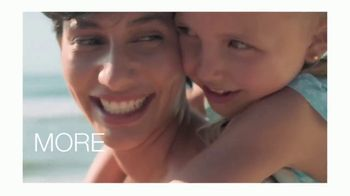 Neutrogena Beach Defense TV Spot, 'More Protection. More Sun.' - Thumbnail 4