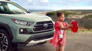 Toyota Summer Starts Here TV Spot, 'Flying Disc' [T2] - 26 commercial airings