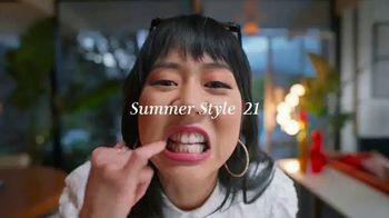 Macy's TV Spot, 'Make Your Summer Style Pop' - Thumbnail 6