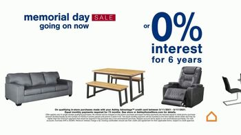 Ashley HomeStore Memorial Day Sale TV Spot, 'Up to 30% Off or No Interest' - Thumbnail 6