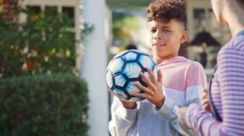 Blue-Emu Maximum Pain Relief TV Spot, 'Fútbol' [Spanish] - Thumbnail 7