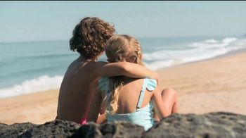 Neutrogena Beach Defense TV Spot, 'Más protección. Más sol.' [Spanish] - Thumbnail 6