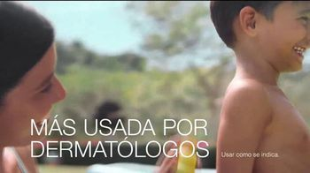 Neutrogena Beach Defense TV Spot, 'Más protección. Más sol.' [Spanish] - Thumbnail 5